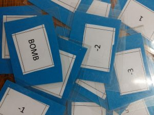 piel of cards ESL teaching materials new bomb game